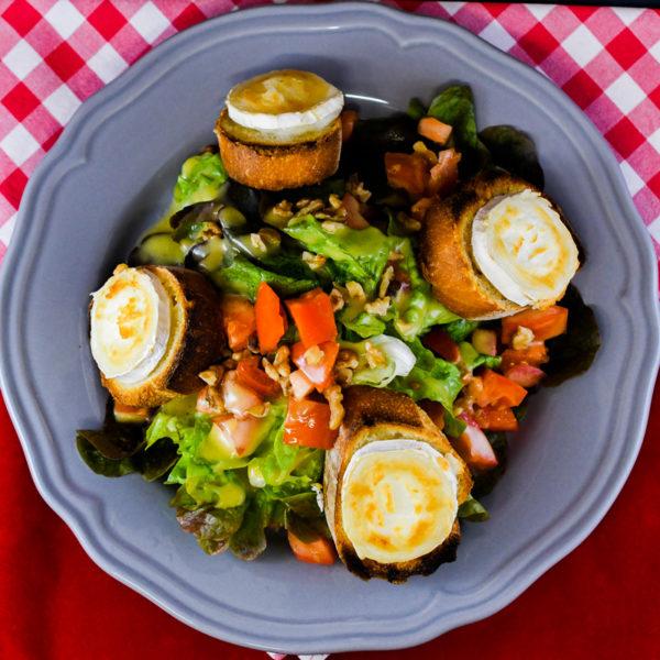 Salade chévre chaud